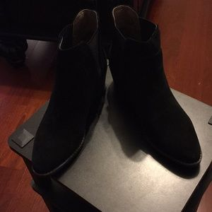 White Mountain Black/Suede low boots
